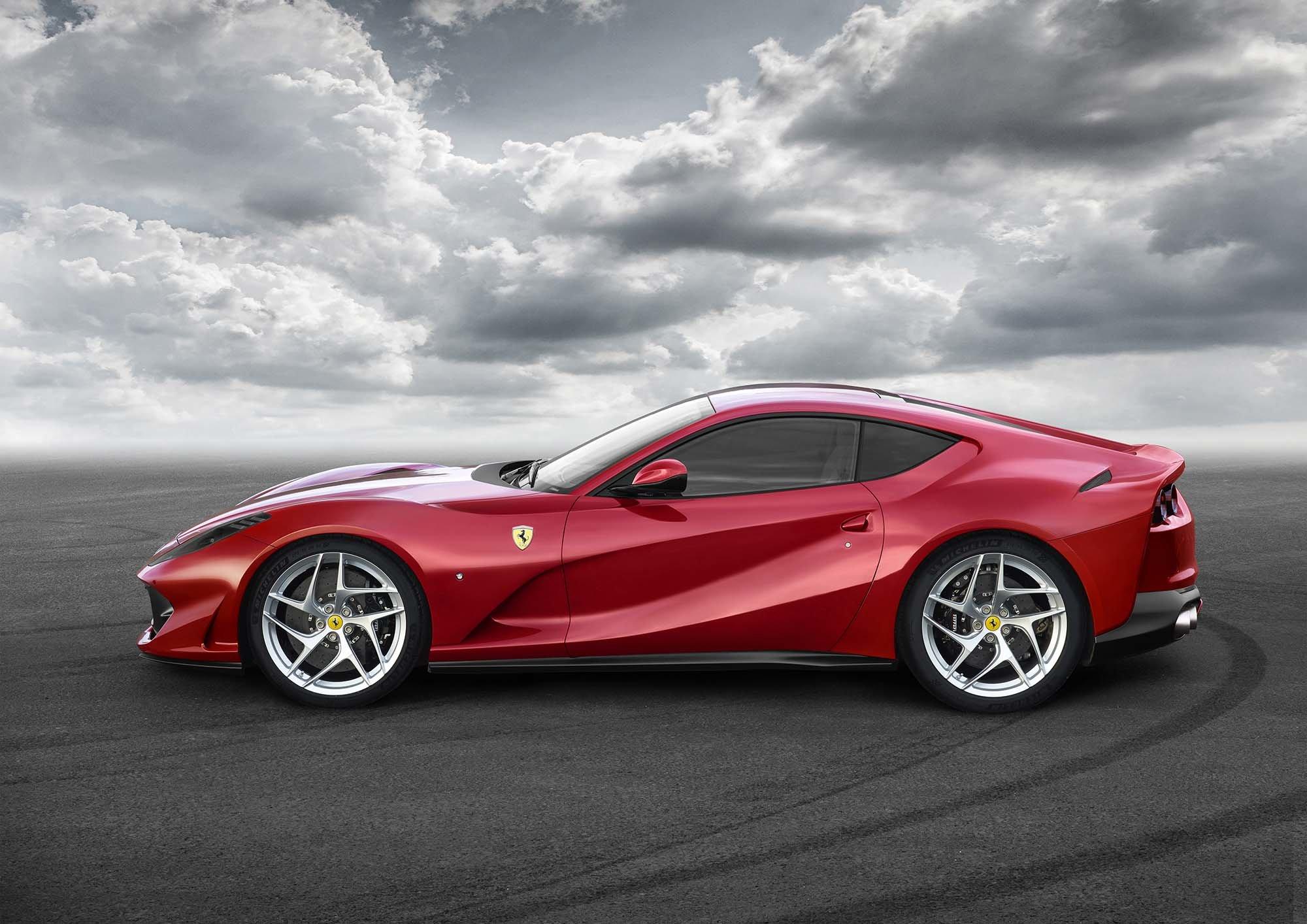 Ferrari 812 Superfast mieten